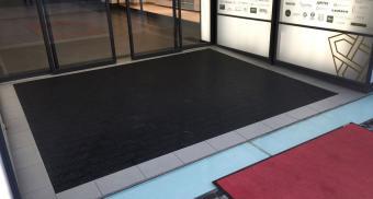 Модульные коврики для торгового центра