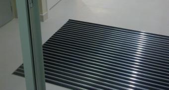 Грязезащитные решетки для здания офисного центра