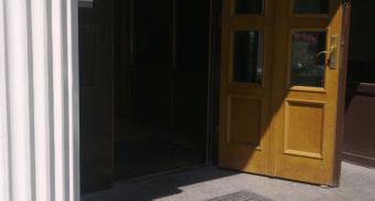 Придверные алюминиевые решетки для жилого комплекса