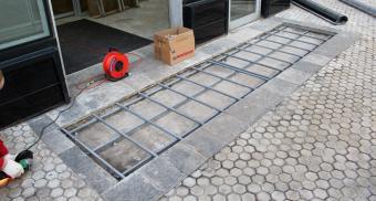 Входные грязезащитные решетки для здания